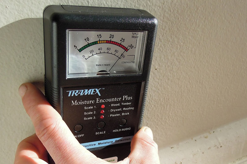 moisture in walls how to detect